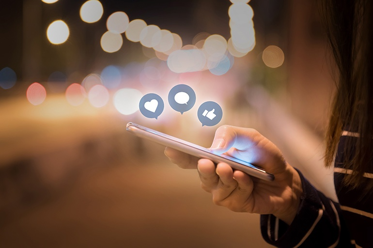 How Social Media Impacts the Food Production Industry